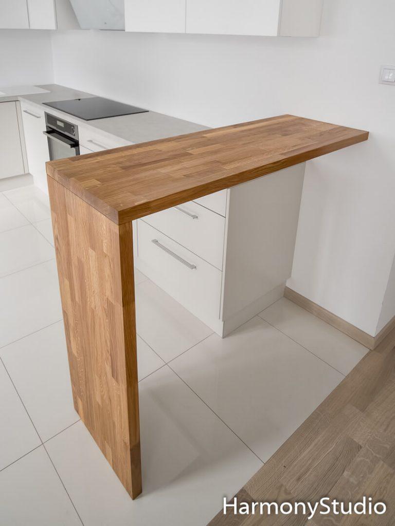barek w kuchni z drewna