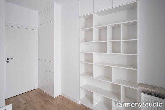 Jak funkcjonalnie urządzić mieszkanie? Pomysły na wygodne wnętrze i jego optyczne powiększenie