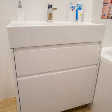 szafka łazienkowa pod umywalką